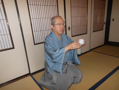 お香の基礎知識を教えて頂いた京都松栄堂秦社長。