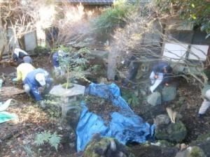 ブルーシートを活用して堆積した土砂も搬出しました。